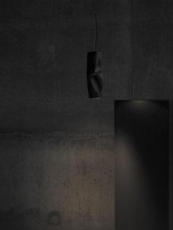 Routa-black-small-01-lo